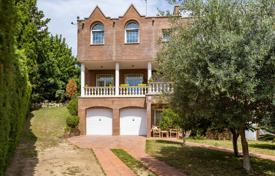 Three-storey house with a swimming pool, a garden and picturesque views near the beach, Sant Vicenç de Montalt, Spain for 745,000 €
