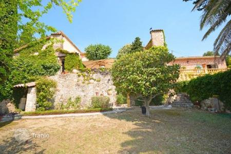 Residential for sale in Speracedes. Castle – Speracedes, Côte d'Azur (French Riviera), France