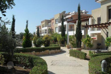 Cheap property for sale in Yeroskipou. Situated in a quiet area of Yeroskipou, a Pafos suburb, this development is set in h