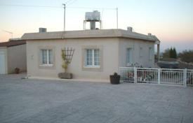 3 bedroom houses for sale in Tala. 3 Bedroom Bungalow, building extension possibility, Tala, Sea Views