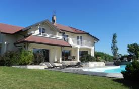 Luxury houses for sale in Haute-Savoie. Standing Property