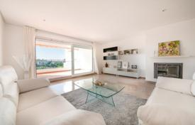 Cheap 1 bedroom apartments for sale in Costa del Sol. One-bedroom apartment in a residence with a swimming pool, a garden and a parking, close to the beach, Benalmadena, Spain