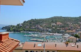 Coastal residential for sale in Porto Santo Stefano. Renewed apartment with seaviews in Porto Santo Stefano — Monte Argentario — Tuscany