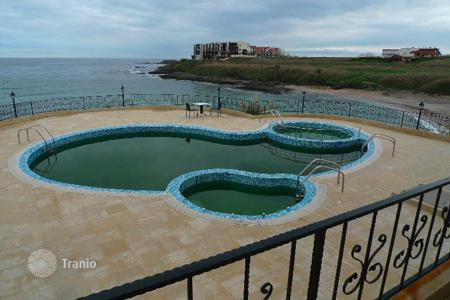 Apartments with pools by the sea for sale in Burgas. Apartment - Lozenets, Burgas, Bulgaria