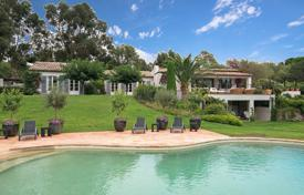 Residential for sale in Saint-Tropez. Saint-Tropez — Magnificent property in a quiet place