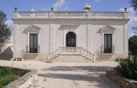 5 bedroom houses for sale in Apulia. Comfortable villa with a terrace and a garden, Francavilla Fontana, Italy