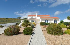 3 bedroom houses for sale in Faro. Immaculate Large 4 Bedroom Villa with Country Views, near Castro Marim