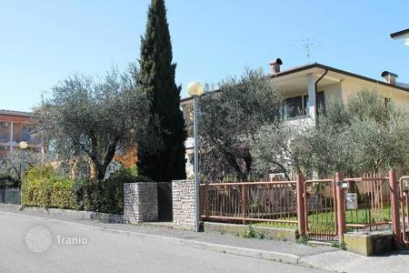 4 bedroom houses for sale in Toscolano Maderno. Villa – Toscolano Maderno, Lombardy, Italy