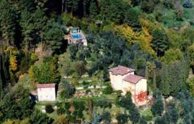 Houses for sale in Camaiore. Villa – Camaiore, Tuscany, Italy