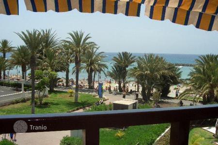 1 bedroom apartments for sale in Tenerife. Ocean front flat on the first line in Playa de las Americas