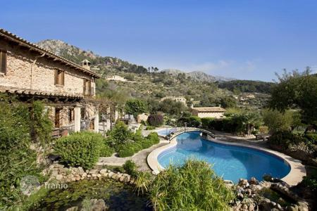 Houses for sale in Andratx. Rustic style villa with garden, swimming pool, guest house and chapel in Sa Coma Freda, Andratx, Mallorca, Balearic Islands, Spain