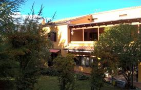 Townhouses for sale in Italy. A house with a large garden and terrace, near the center of Teramo, Italy