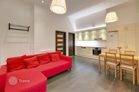 1 bedroom apartments for sale in Hungary. Apartment in good decorative order, with windows overlooking the yard, in a historic brick building, 13th district, Budapest, Hungary