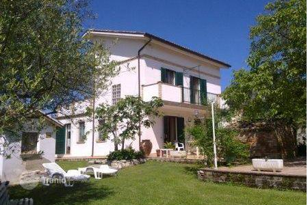 3 bedroom houses for sale in Abruzzo. Property in Collecorvino, Pescara. Italy