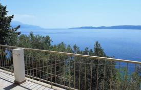 Property for sale in Dalmatia. Cozy villa with a private garden, a barbecue, a parking, a terrace and a sea view, Oshim, Croatia