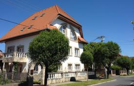 Houses for sale in Zala. Three-level house near the thermal lake, in the center of Hévíz, Hungary
