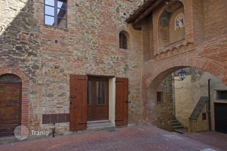 Apartments for sale in Umbria. Apartment – Paciano, Perugia, Umbria,  Italy