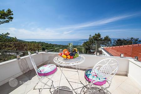 Property to rent in Split-Dalmatia County. Detached house – Baška Voda, Split-Dalmatia County, Croatia