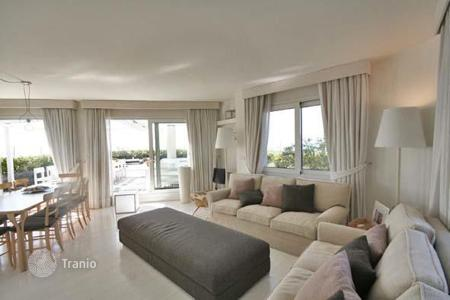 Luxury apartments for sale in Lignano Sabbiadoro. Beautiful penthouse in Lignano Pineta city cente, spacious terrace, private parking independent heating system