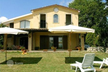 Residential for sale in Abruzzo. Lovelu house in Civitaquana, Abruzzo. Italy