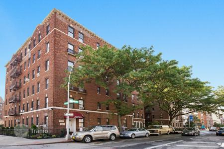 Condos for rent in State of New York. Queens Boulevard