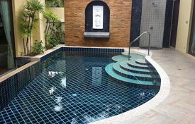 2 bedroom villas and houses to rent in Phuket. Townhome – Phuket, Thailand