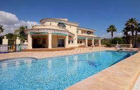 Luxury houses with pools for sale in L'Alfàs del Pi. Villa – L'Alfàs del Pi, Valencia, Spain