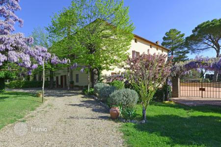 Villas and houses with pools to rent in Ville di Corsano. Villa - Ville di Corsano, Tuscany, Italy