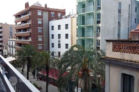 Cheap residential for sale in Costa Brava. Apartment on the first line of the sea in the centre of Lloret de Mar, Spain