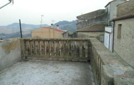 Townhouses for sale in Maggiore (Italy). Terraced house – Ponte di Legno, Lombardy, Italy