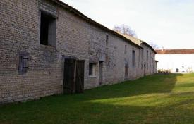 Property for sale in Aquitaine. Quality Renovation of Longere with barns to develop