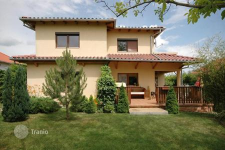 4 bedroom houses for sale in Hungary. Mediterranean style detached house in mint condition on the northern coastline of Lake Balaton, near Keszthely and Hévíz