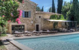 Property for sale in Bouches-du-Rhône. Close to Aix-en-Provence — Renovated Mas