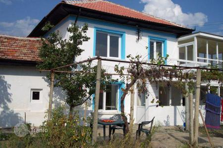 Cheap 3 bedroom houses for sale in Plovdiv. Detached house - Plovdiv, Bulgaria
