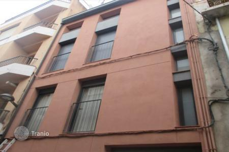 Cheap residential for sale in Santa Coloma de Farners. Terraced house – Santa Coloma de Farners, Catalonia, Spain