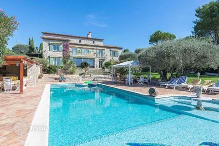 Luxury residential for sale in Mougins. Mougins — Panoramic views
