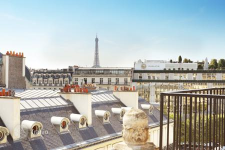 Luxury apartments for sale in 8th arrondissement of Paris. Paris 8th District – A renovated duplex apartment