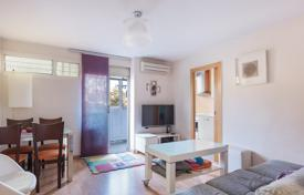 Property for sale in Sant Martí. Renovated three-bedroom apartment in Sant Marti area, Barcelona, Spain