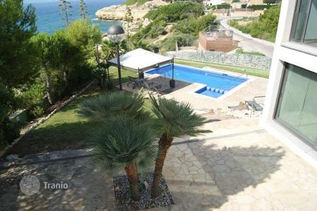 Coastal residential for rent in Costa Dorada. Villa – Torredembarra, Catalonia, Spain