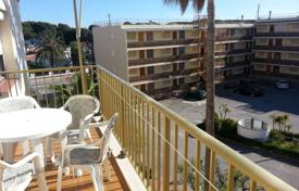 2 bedroom apartments for sale in Costa Dorada. Furnished apartment with a balcony and a sea view in a residential complex with a garden and a parking, Cambrils, Spain
