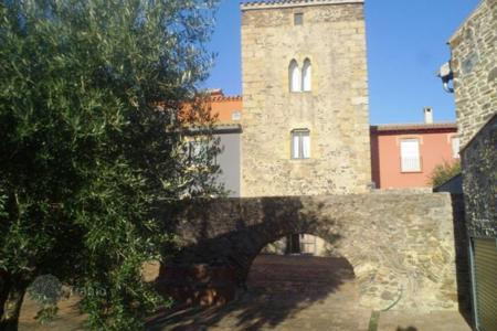 2 bedroom houses for sale in Catalonia. Furnished house of the XIVth century, with terrace and garden, Girona, Spain