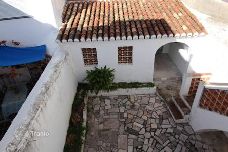 Cheap townhouses for sale in Andalusia. A great opportunity to purchase a townhouse in Mijas Pueblo