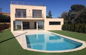 Houses with pools for sale in Vallauris. Modern villa with a salt system swimming pool and a garden, Vallauris, France