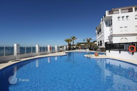 Residential for sale in Sitio de Calahonda. Beach apartment on frontline beach complex