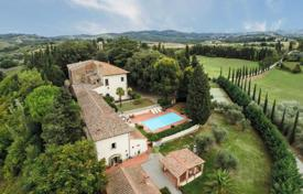 Houses with pools for sale in Florence. Recently restored villa of XVII with a vinery and oil garden near Florence, Italy