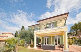 Luxury 4 bedroom houses for sale in Liguria. Beautiful villa in Bordigera, Italy