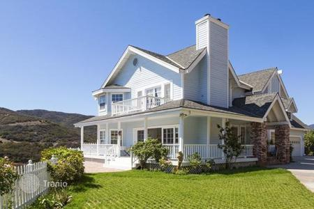 Luxury 3 bedroom houses for sale in North America. Villa in Malibu