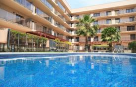 Apartments with pools for sale in Costa Dorada. Apartment – Cambrils, Catalonia, Spain