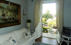 2 bedroom apartments for sale in Tuscany. Bright four-room apartment in the center of Forte dei Marmi, Tuscany, Italy