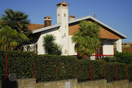 4 bedroom houses by the sea for sale in Tuscany. Villa - Grosseto (city), Province of Grosseto, Tuscany,  Italy